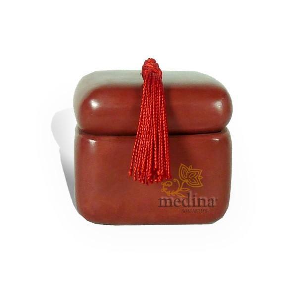 Boite carre tadelakt rouge brique et son pompon de soie
