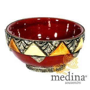 Bol artisanal orné, décoré et émaillé bordeau