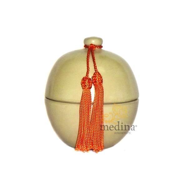 Boite boule ivoire design en tadelakt et son pompon de soie