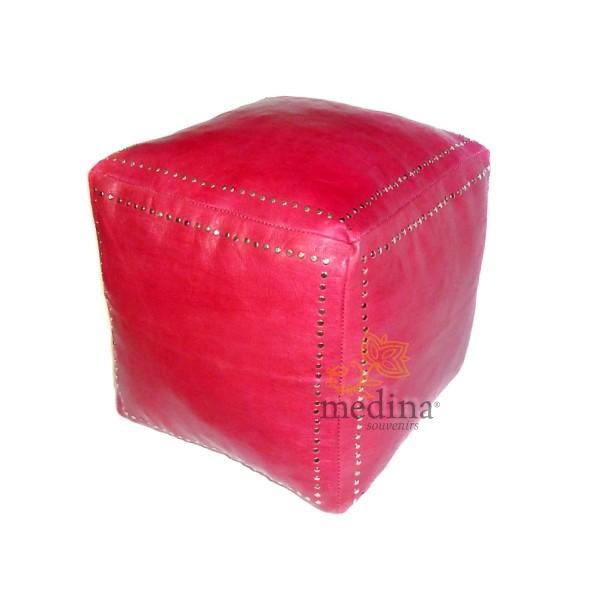 Pouf carré rouge en cuir boutons argent