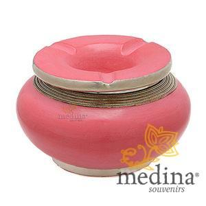Cendrier marocain tadelakt design rose, cendrier fait main incrusté et cerclé de métal poli inoxydable et metal brossé torsadé