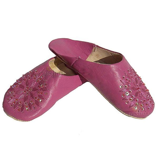 Babouche paillettes brodées, babouche Femme modele Galia violet, babouches a bout rond cousues main, chaussons en cuir veritable