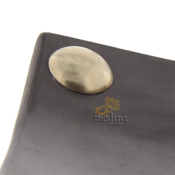 Assiettes a boutons Tadelakt carrées larges gris