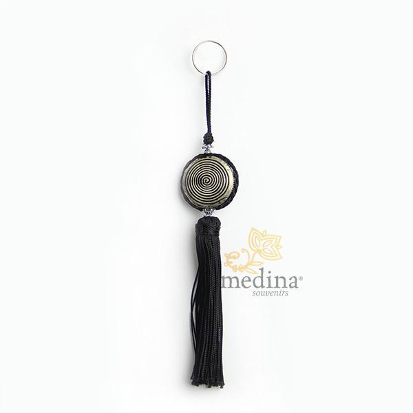 Porte cles Shems, porte cle en métal gravé et pompon en soie Noir
