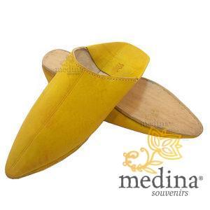 Babouche Homme et Femme traditionnel jaune babouche de Marrakech à bout pointu chaussons cousus main mocassins mixtes