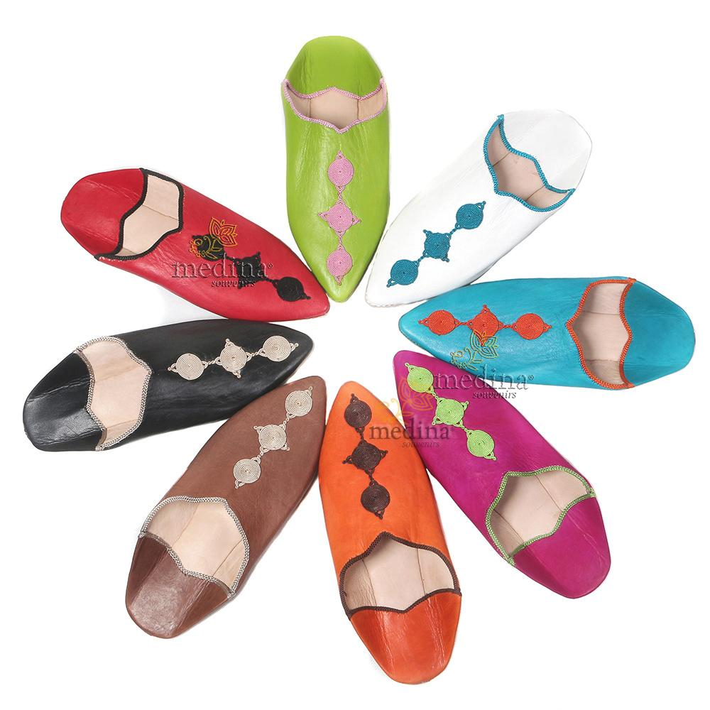 Babouche Mouna pistache babouche luxe de Fez à bout pointu en cuir veritable et broderies de soie chaussons fait main