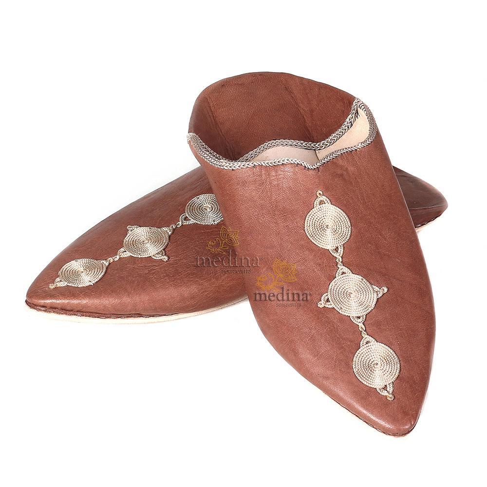 Babouche Mouna marron babouche luxe de Fez à bout pointu en cuir veritable et broderies de soie chaussons fait main