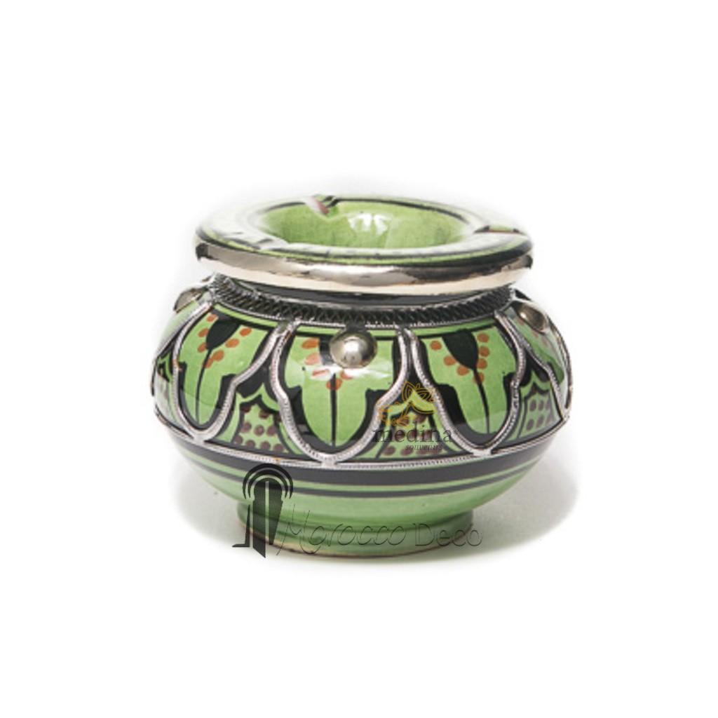 Cendrier marocain fait main vert, noir et orange, cerclé de métal poli et torsadé