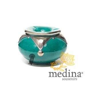 Cendrier marocain fait main vert, cerclé de métal poli et torsadé