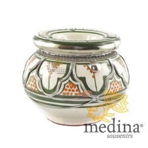 Cendrier marocain fait main vert et orange, incrusté et cerclé de métal poli et torsadé