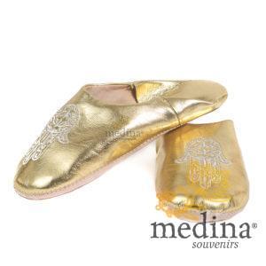 Babouche marocaine main de Fatima dorée