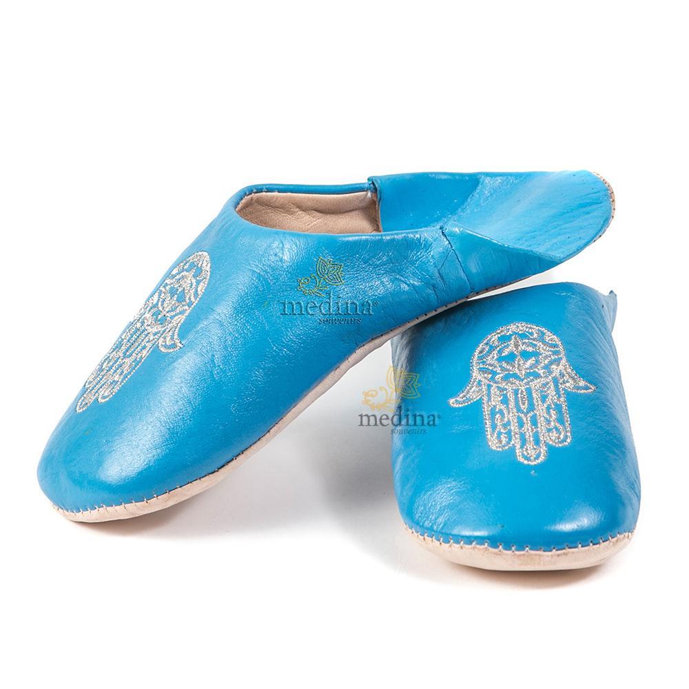 Babouche marocaine main de Fatima bleue