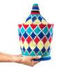 Grande boite vintage 44 cousue et tissée au fil de laine dans les tons bleu, rouge et jaune