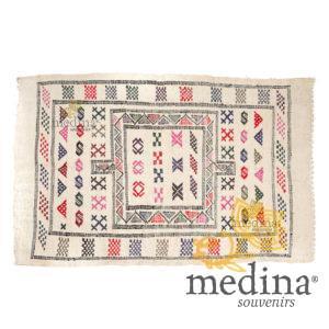 Tapis vintage fait main, tapis berbère aux motifs ethniques sur fond crème
